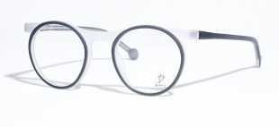 Dutch Design Frames - Every pair of glasses that is created tells its own story, mass production is not our way of life. Jos Eyewear is an independent, authentic, protected, original designer brand since 2001.