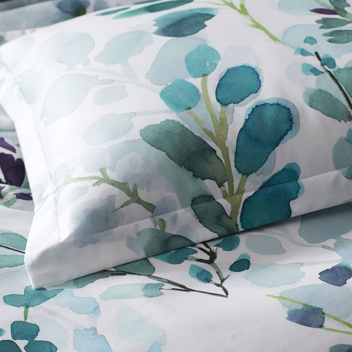 Legends Hotel Reece Floral Sateen Duvet Cover