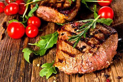 Os alimentos com proteínas têm uma densidade calórica baixa e muitos nutrientes