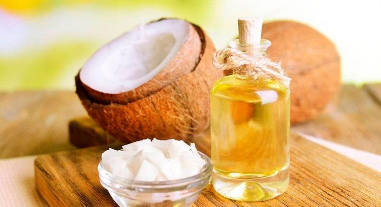 A hidratação com babosa e Óleo de Coco é ideal para cabelos secos ou ressecados.
