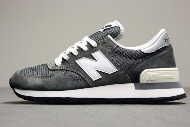 New Balance Pig Suede And Leather Sneakers eFFaa