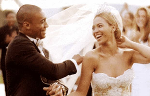 The Wedding Dress Beyonce Wears In Video For Best Thing I Never Had Is Up At Preownedweddingdresses 85 000 One Of A Kind Baracci