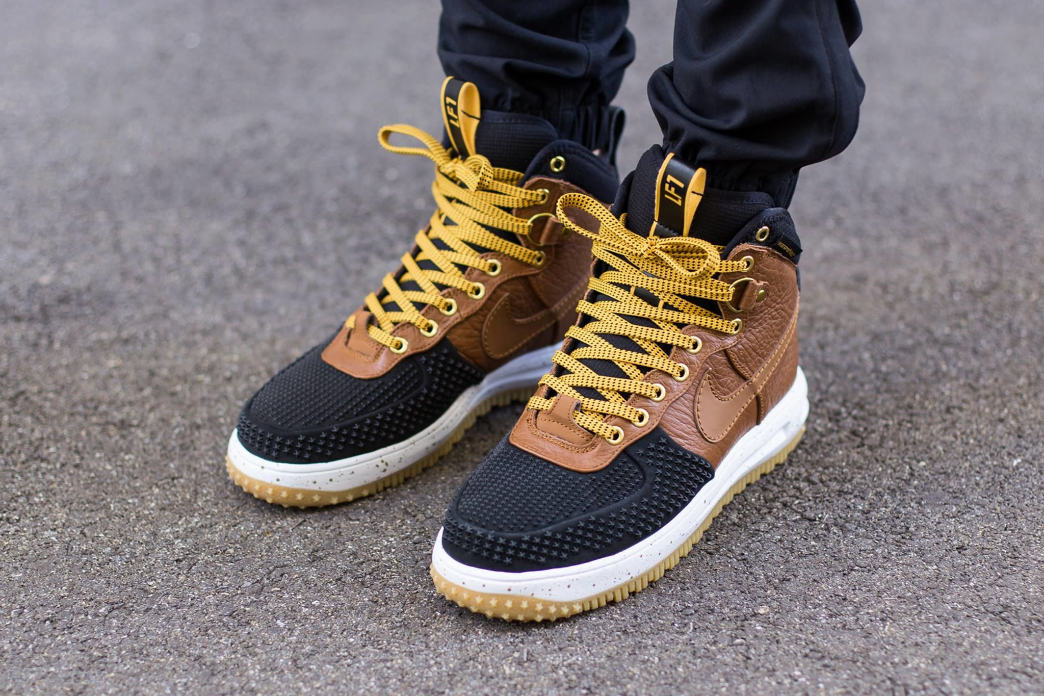 0_1479645138173_Nike-Lunar-Force-1-Duckboot-11.jpg