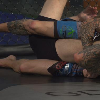 MMA Breakdown: Kneebars