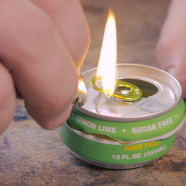 Soda Can Candle: Man Hacks
