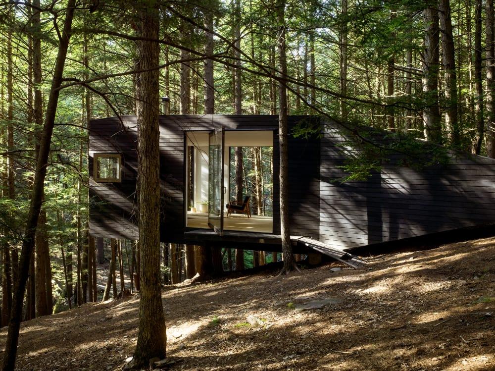 Dieses kleine Einraumhaus schwebt über dem Boden und kostet nur 20.000 Euro