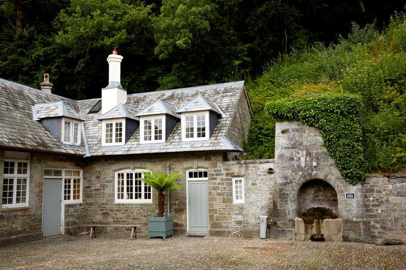 """Hotel """"Endsleigh""""in Devon."""