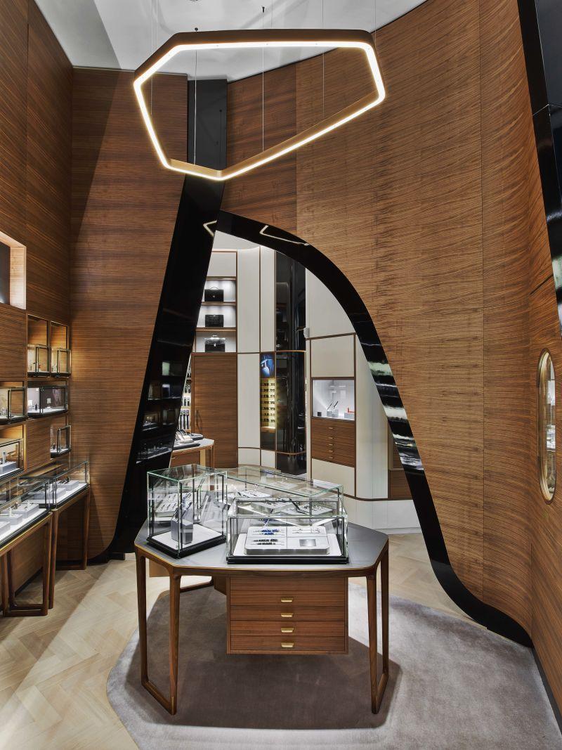 Mont Blanc Flagship Store 2