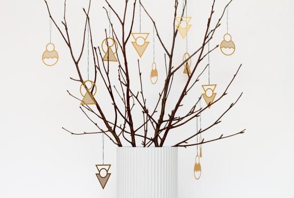 """Baumschmuck für Puristen: """"Christmas Ornaments"""" von Kristina Krogh, 30 Euro über kkrogh.dk"""