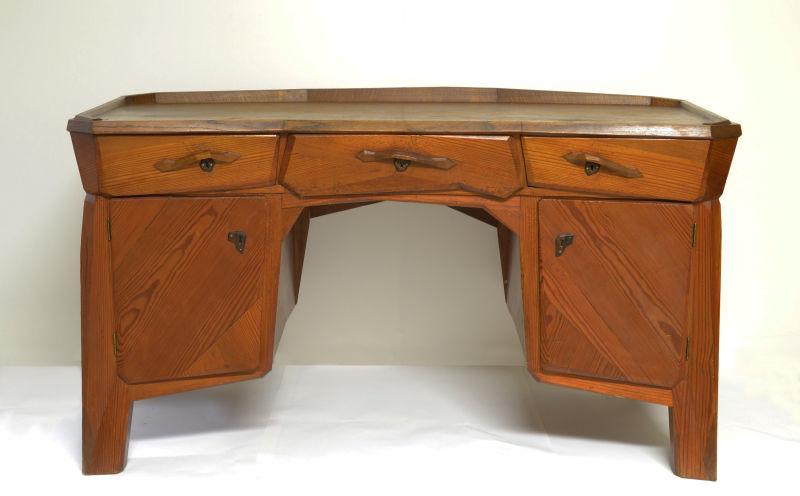 Ruckteschell, Schreibtisch