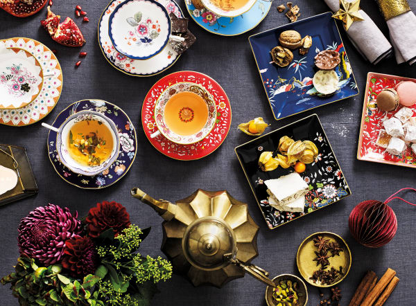 """Zur Kollektion """"Wonderlust"""" von Wedgwood gehört neben Tellern, Tässchen und Kannen auch hauseigener Tee der Marke Wedgwood."""