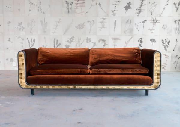 """Sein erstes Design, die """"Nº105 Couch""""."""