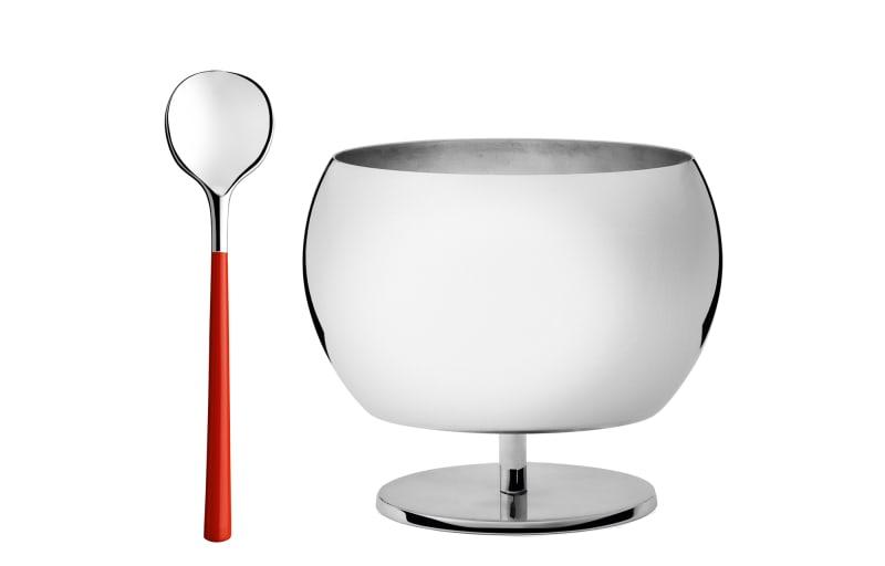 3. Mit Puiforcat haben Sie eine eigene kleine Tableware-Kollektion entwickelt. Was macht diese Linie besonders?