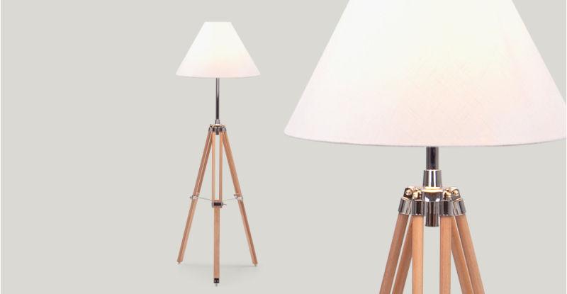 3_navy_lamp_in_natural_wood_lb1_1