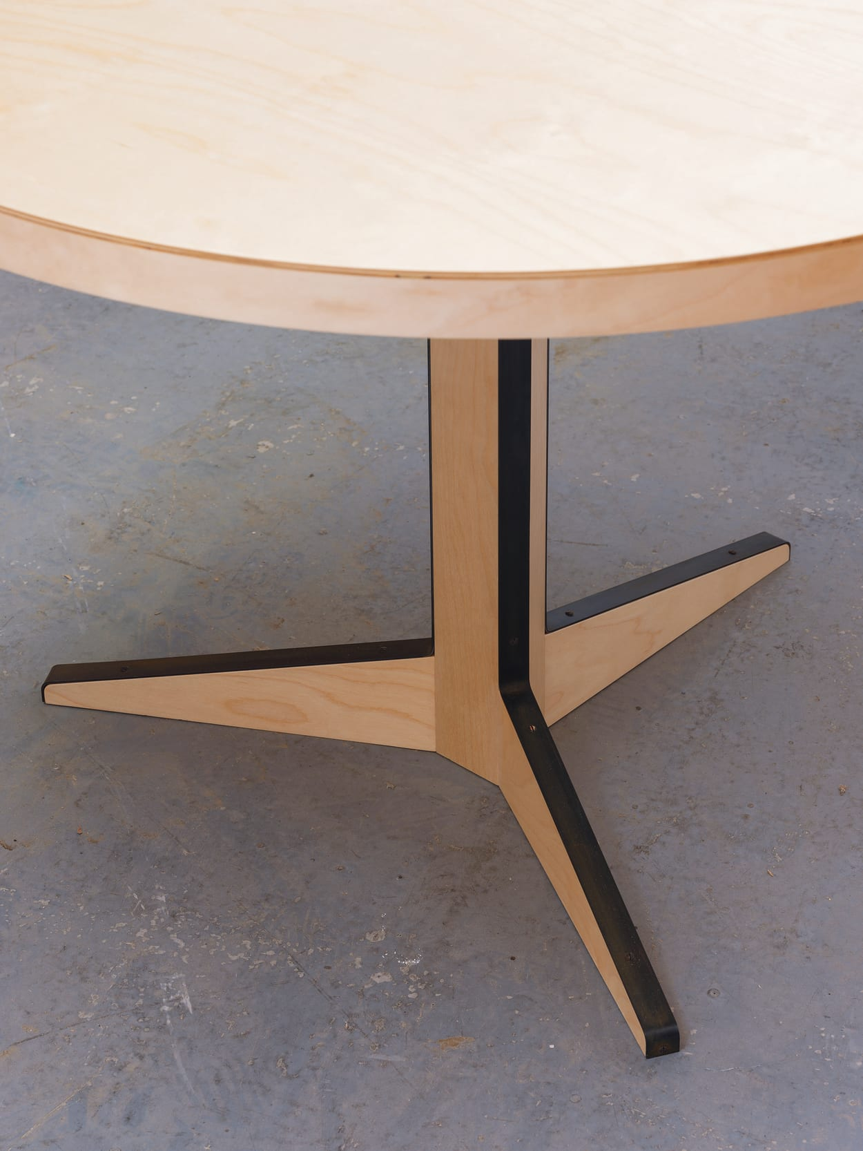 Isokon Plus, Marcel Breuer, One Leg Table, Esstisch