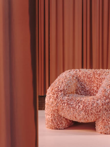 Wie für Andreas Reisingers Arbeiten typisch, begann auch der Sessel als digitales Experiment – und wurde ein Hit auf Instagram.