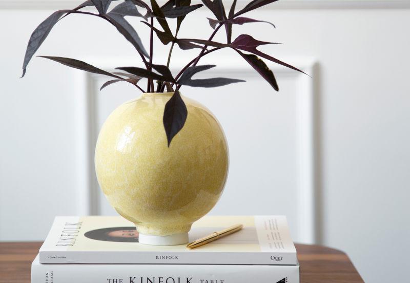 Unico-Vase-H170-Ocher-1A