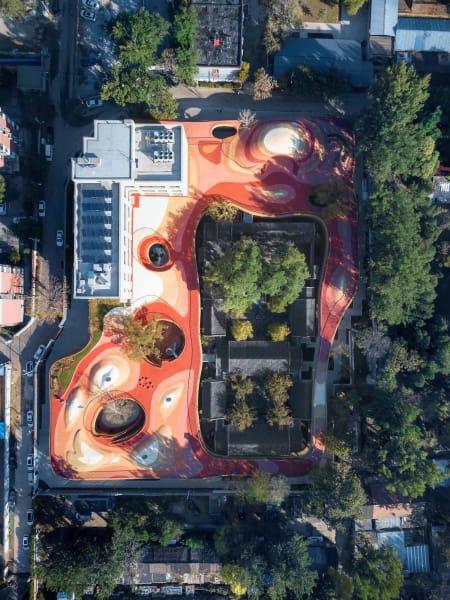 Spielplatz in luftiger Höhe: Entwurf von MAD architects für den YueCheng Courtyard Kindergarten in Peking.