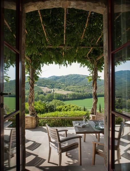 Dass der Ausblick, etwa von der Villa Barco, so  unverbaut ist, liegt auch am Einsatz der Gutsbesitzer, die Stromleitungen unter die Erde  verlegen ließen.