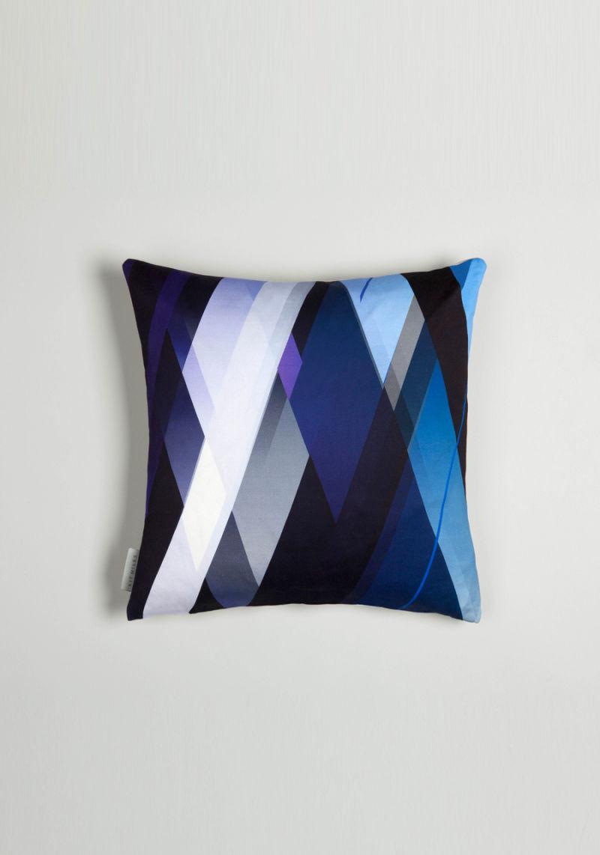 Diagonal-Gradient-cushion-Indigo's