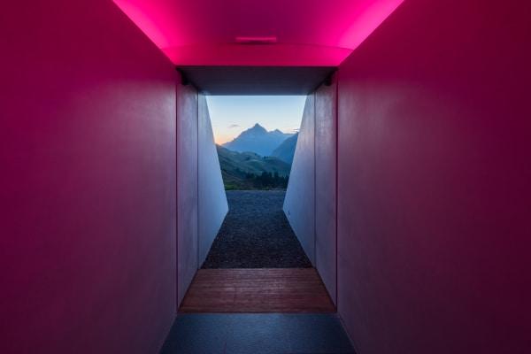 Der Tunnel bietet Blick auf den Biberkopf - einen 2.599 Meter hohen Berg an der Grenze zwischen Deutschland und Österreich.