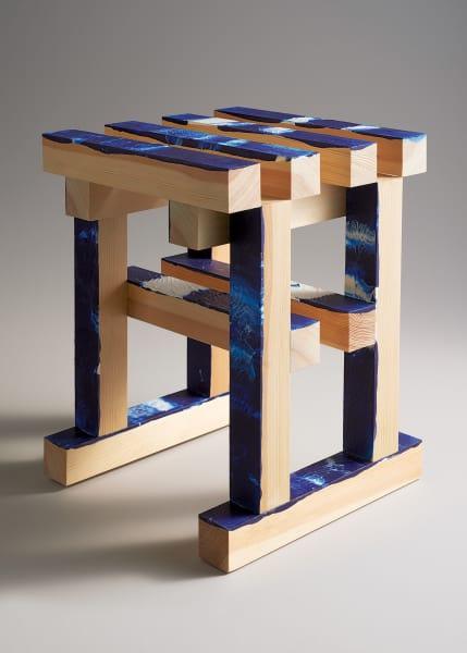 Gewinnen Sie einen Prototyp der bunten Eichenholzhocker des Designers Erik Olovsso.