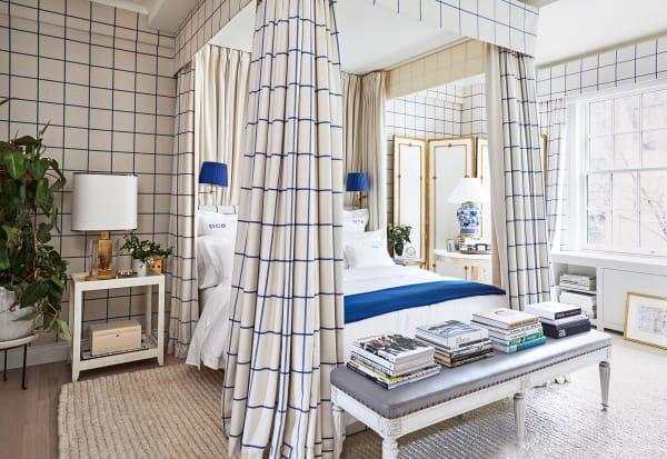 Schlafzimmer Blasbergs mit Stoffen von Ralph Lauren.
