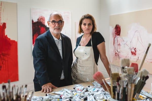 """Die Künstlerin Tracey Emin im Gespräch mit Fernsehproduzent Alan Yentob in dem Dokumentarfilm: """"Tracey Emin. Where Do You Draw the Line?"""" (2018)."""