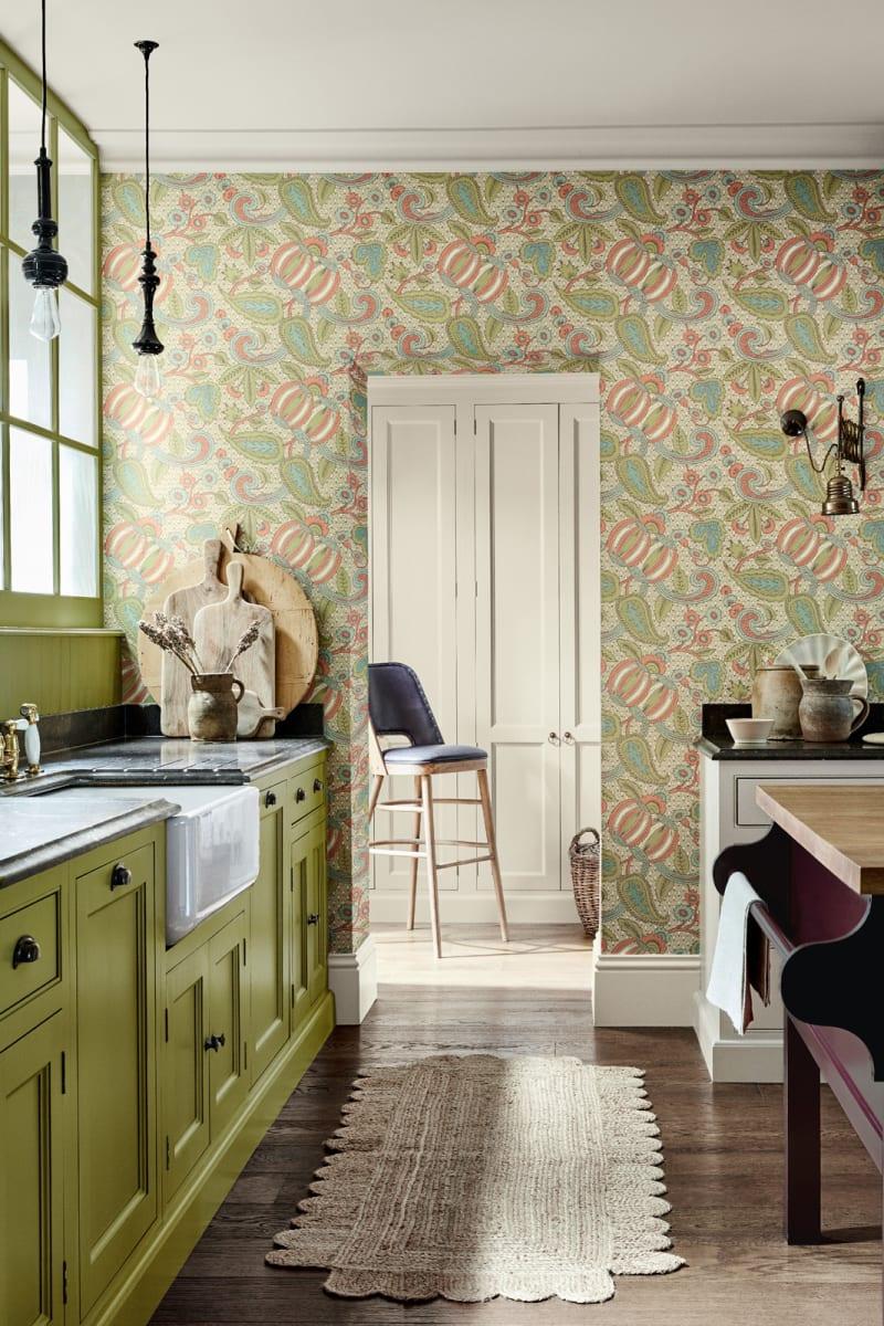 Küchen mit Tapete von Little Greene_Pomegranate