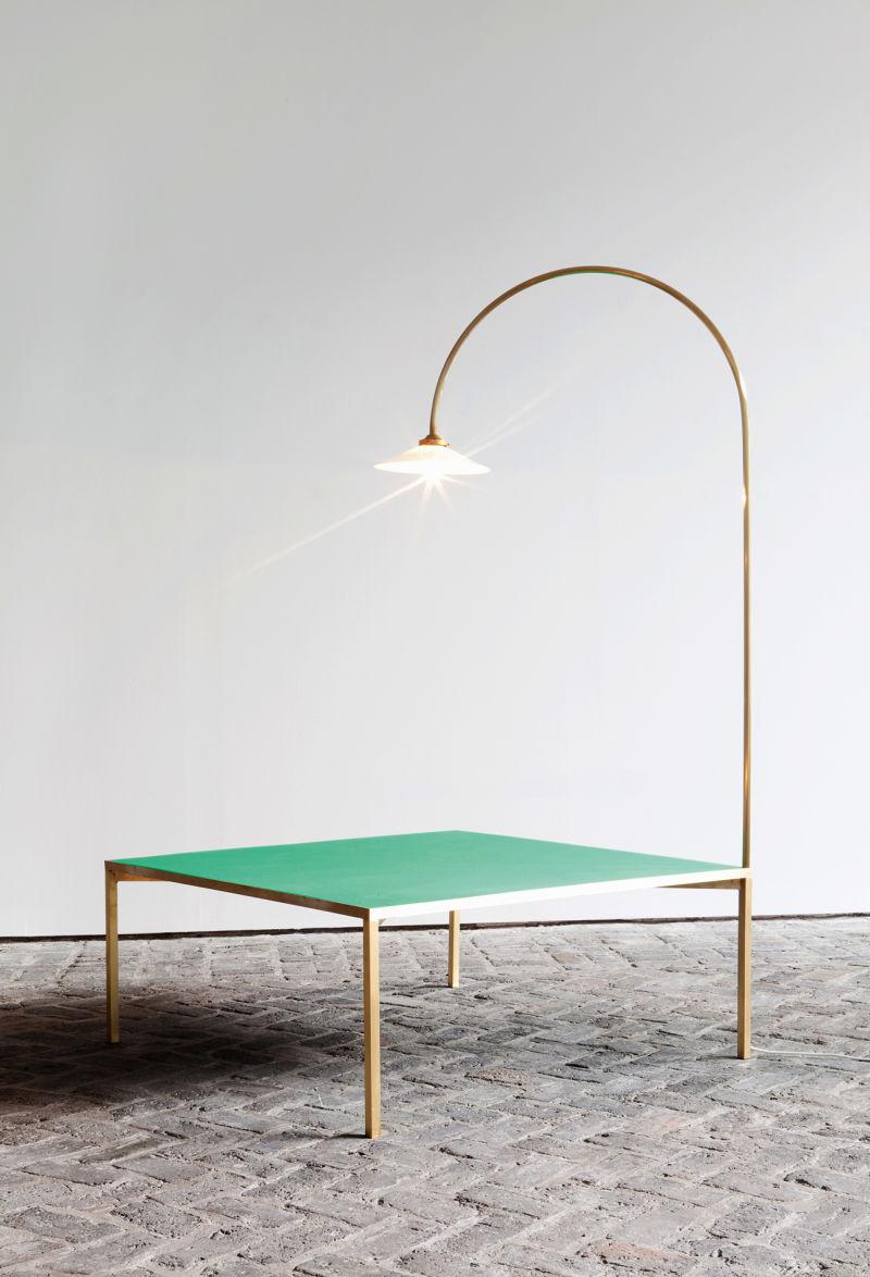 Muller Van Severen: Tisch mit Leuchte