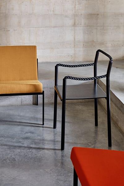 """""""Rope Chair"""" R. und E. Bouroullec für Artek Stahl und Tau 536 Euro."""