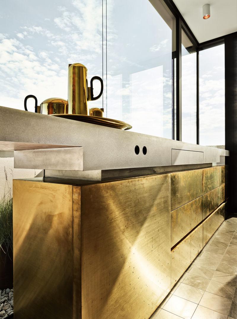 Holzrausch Küchen Detail gold