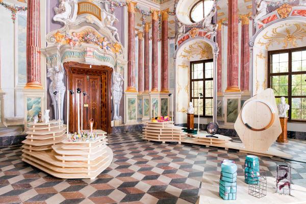 Auf Schloss Hollenegg präsentieren Nachwuchsdesigner ihre Entwürfe.