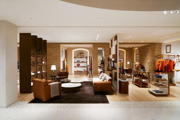 Im Untergeschoss präsentiert Hermès seine Maison-Kollektionen.