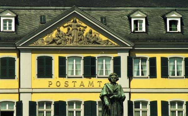 Definitiv ein Postamt, das im Gedächtnis bleibt: Das Postamt Bonn.
