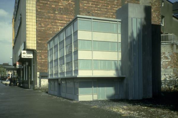 Sprüth Magers: Peter Fischli David Weiss, Haus, 1987.