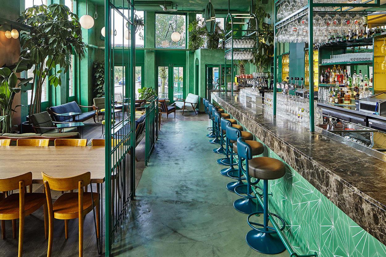 Studio Modijesky, Bar Botanique