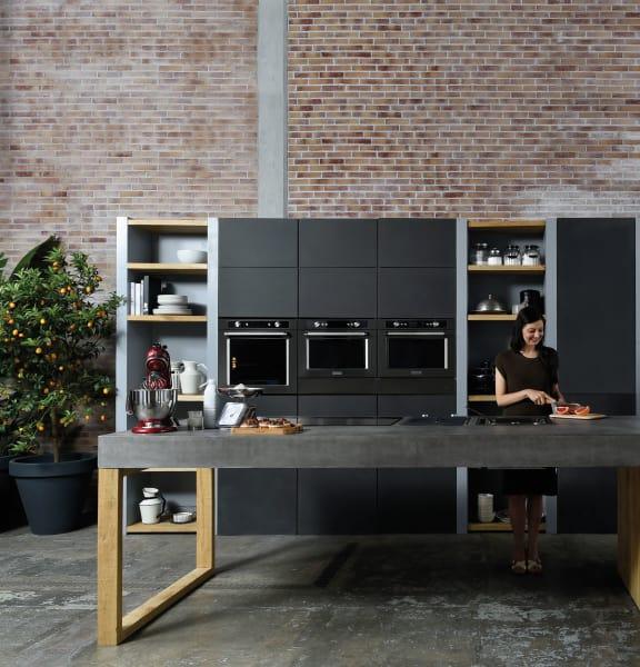 Ab Juli ist der schwarze Look für die Küche erhältlich. Toll daran: die schwarzen Flächen sind schmutzunempfindlich und es gibt keine Fingerabdrücke.
