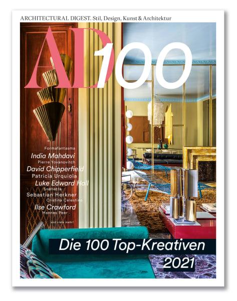 Auf dem Cover: Mailänder Moderne! Im Apartment einer Familie dirigiert der Gestalter Hannes Peer stolze Möbel-Solisten zum farbstarken Chor.