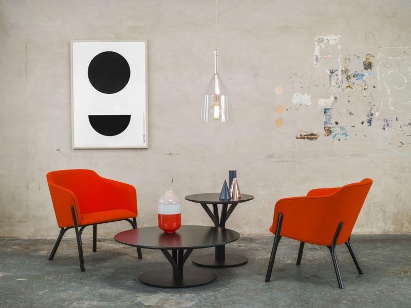 Split lounge armchair & Bloom table_location