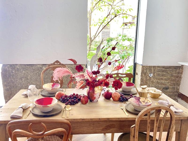 Tischdekoration von Elisabeth Blumen mit rotem Centerpiece