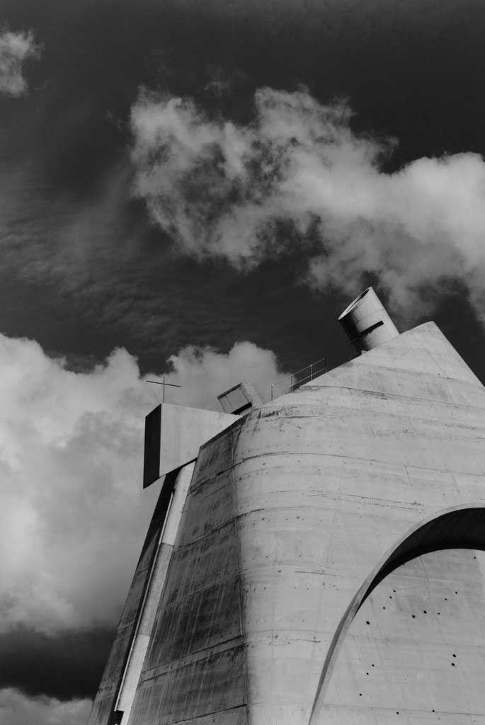Hélène Binet, Firminy - A (Architecture by Le Corbusier)