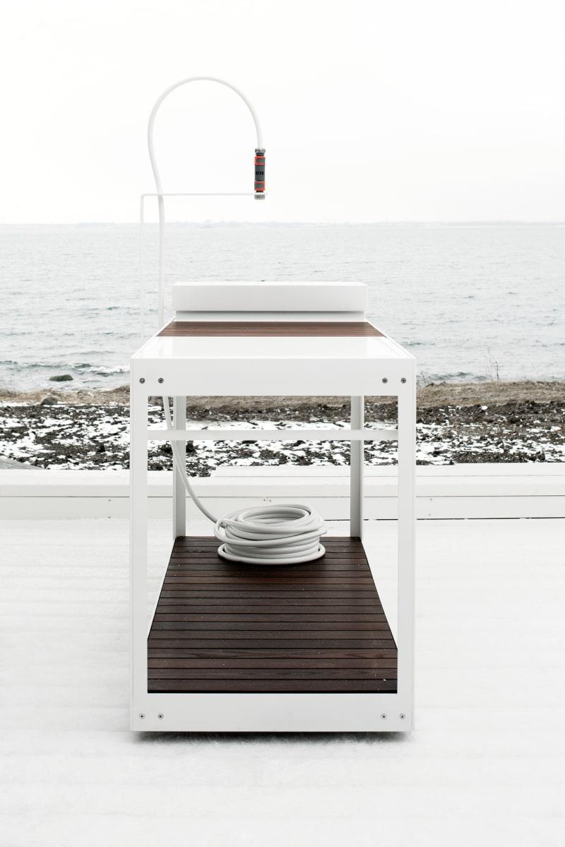 White-kitchen-in-NOA-2