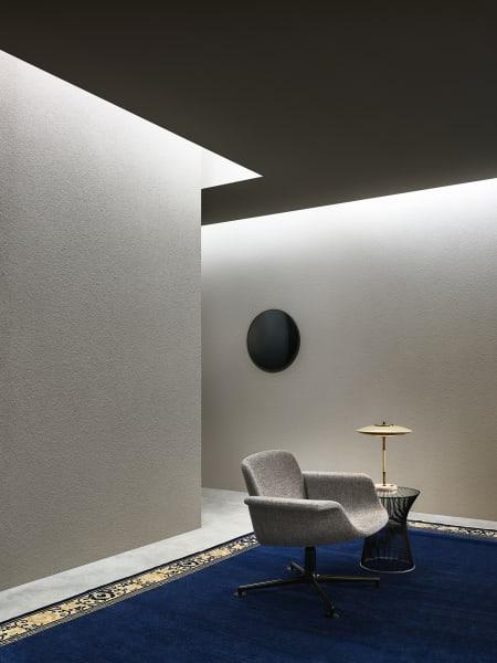 """""""Mir liegt nichts daran, bequeme Sitzmöbel zu entwerfen"""", verriet Piero Lissoni uns letztes Jahr. Wer auf seinem neuen Sessel """"KN01"""" für Knoll gesessen hat, stellt fest: Lissoni ist im Flunkernso gut wie im Gestalten."""