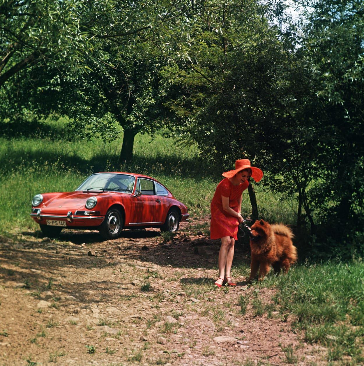70 Jahre Porsche, Porsche Jubiläum, Porsche, 911, Ikonen, 19er Jahre, rotes Auto