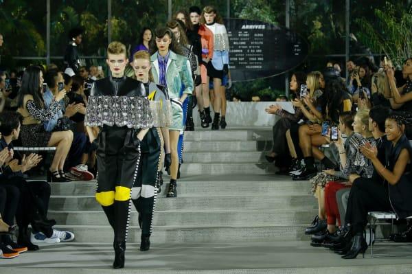 Louis Vuittons jährliche Cruise Show vereint Mode und Architektur der Extraklasse