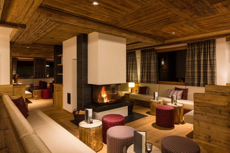 PRIVA_Alpine_Lodge_-_Cheminee_Lounge