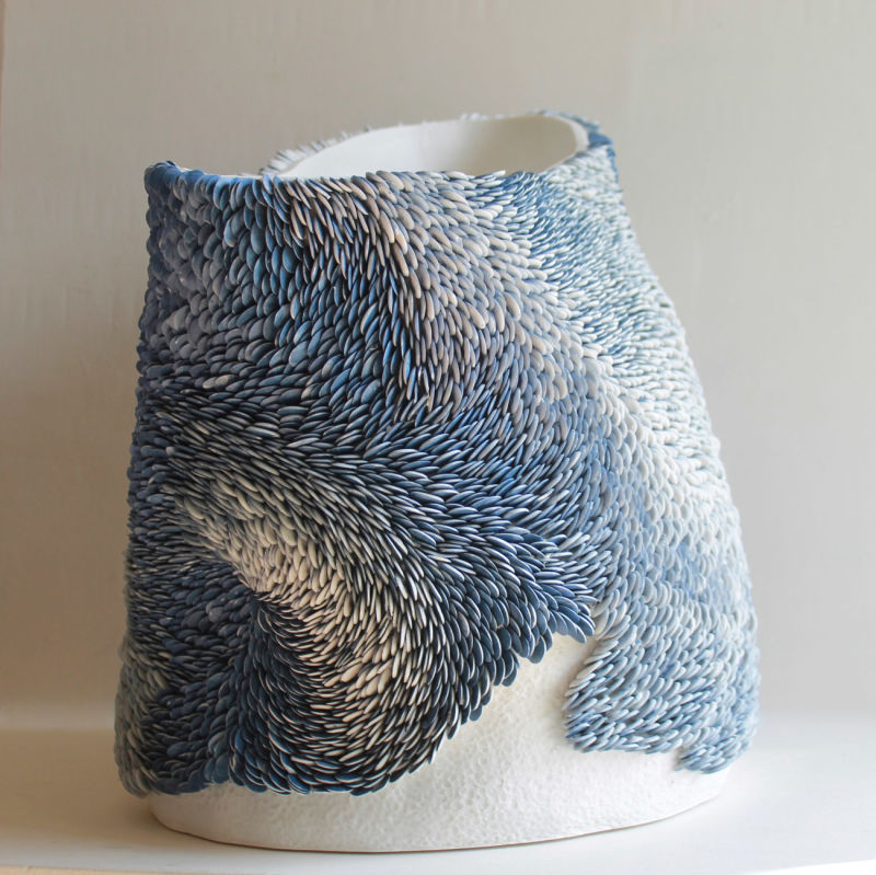 Fenella-Elms,-Large-Flow-Pot.-White-and-cobalt-porcelain,-2014.-Represented-at-COLLECT-by-CAA