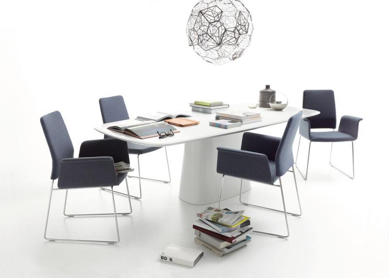 COR_Fino_ChairsConic_table