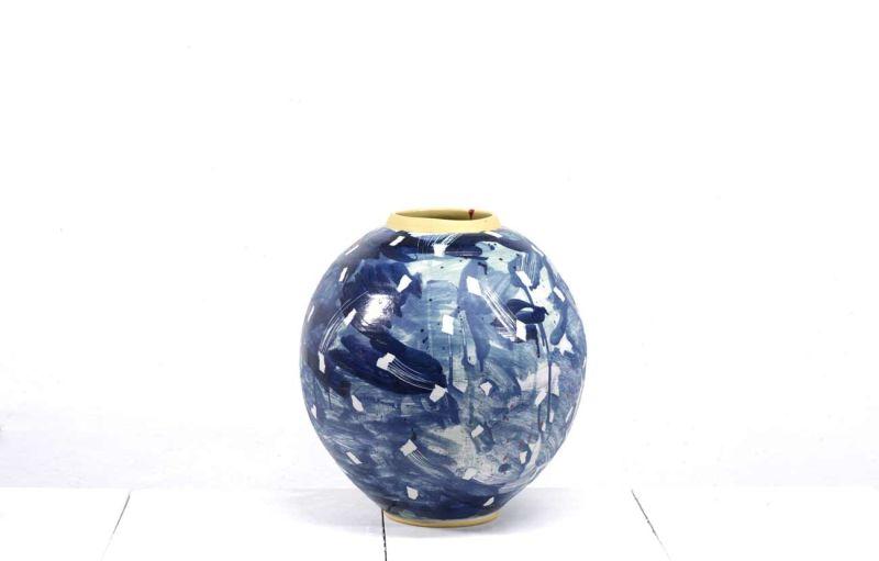 Vase Adam Frew